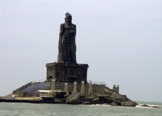 saint thiruvalluvar statue kanyakumari