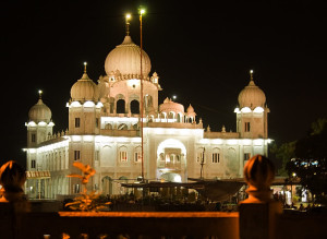 Gurudwara Paonta Sahib at night