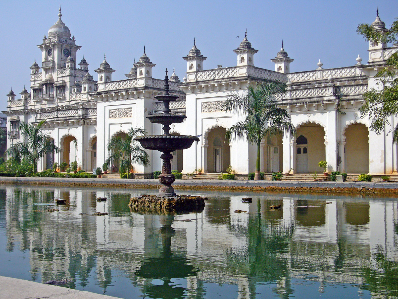 Famous Palaces of India India Travel Guide : Chowmahalla Palace from www.indiatravelblog.net size 1600 x 1200 jpeg 640kB