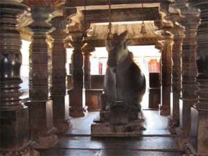 Madhukeshwara temple - nandi