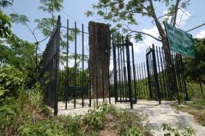 Sibuta Lung memorial stone