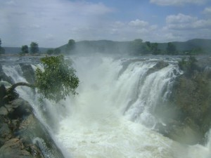 Hogenakkal Waterfalls 15 famous waterfalls in India
