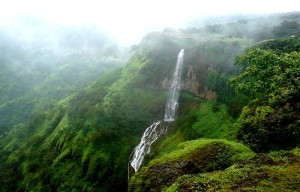 Mahabaleshwar Chinamans Falls Honeymoon Destinations in India
