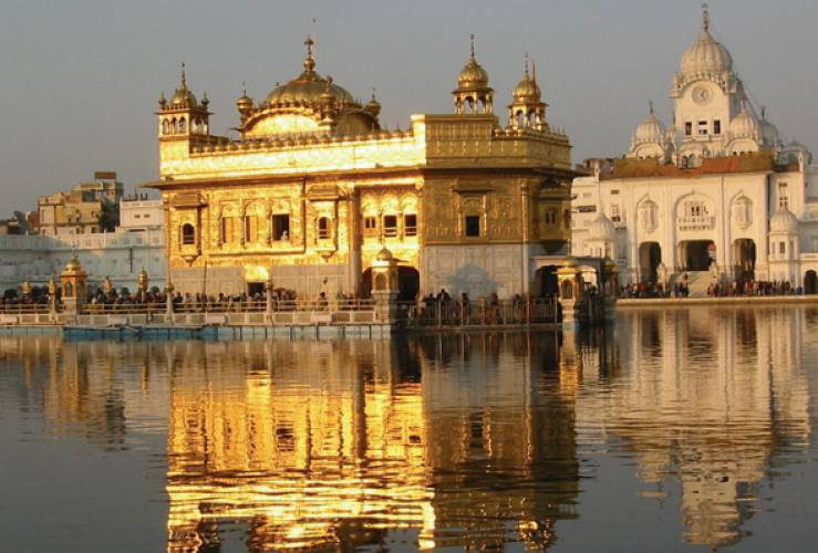 golden triangle tour golden triangle amritsar1 Must Visit Spiritual Places in India