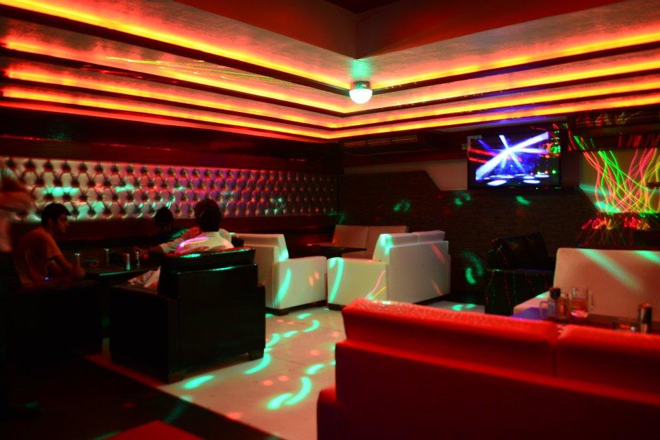 02-Cafe-Zero-Degree-De-Party-Lounge-DHA-Karachi