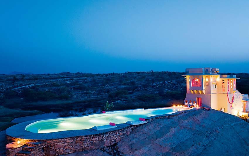 839583_lakshman-sagar-pali-poolside-view