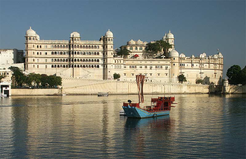 Lake-palace-udaipur1