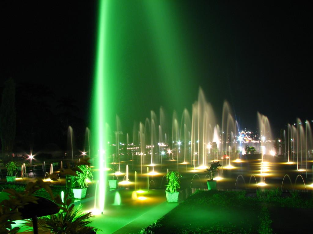 Brindavan_Garden_Fountains_in_Night
