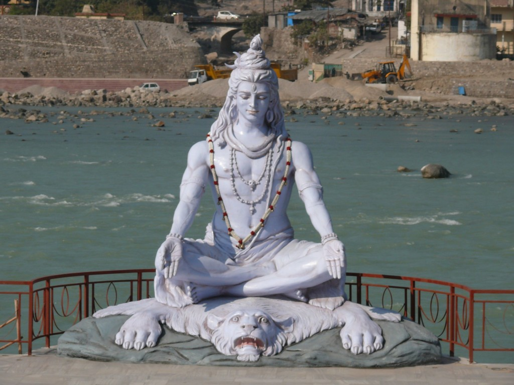 Now_memory_Shiva_statue_near_Paramarth_Niketan