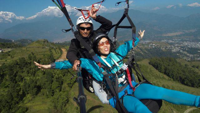 Paragliding-at-Solang
