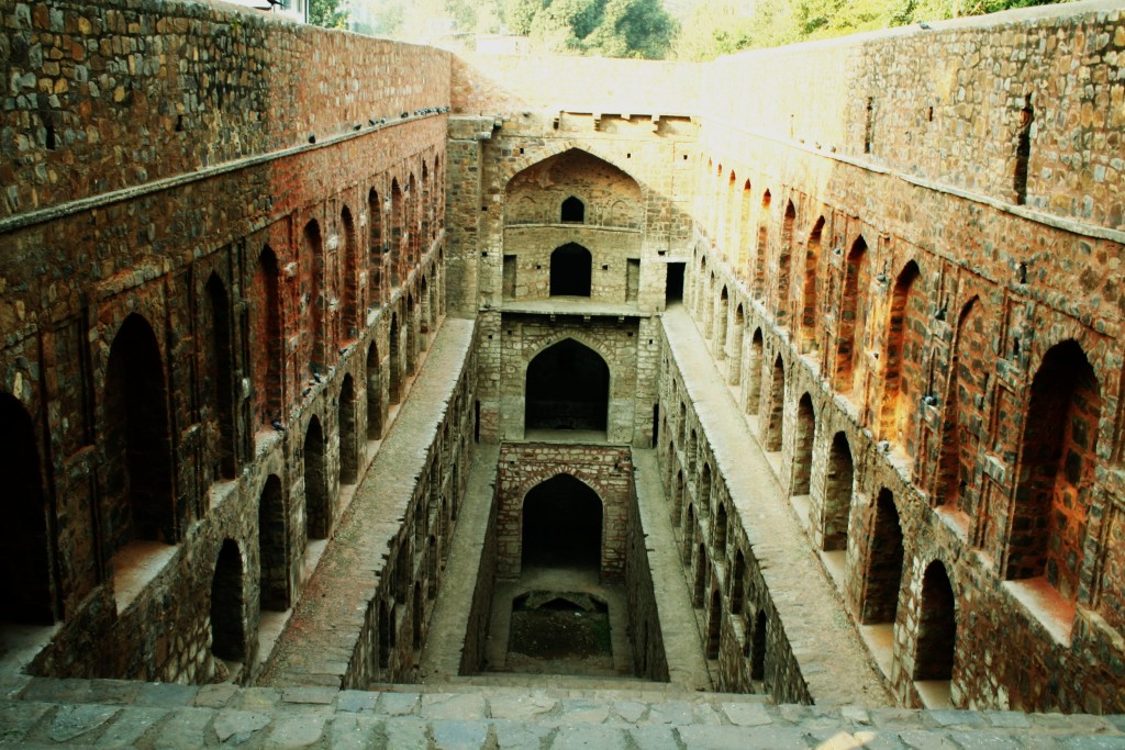 Agrasen_ki_Baoli,_New_Delhi,_India_-_20070127