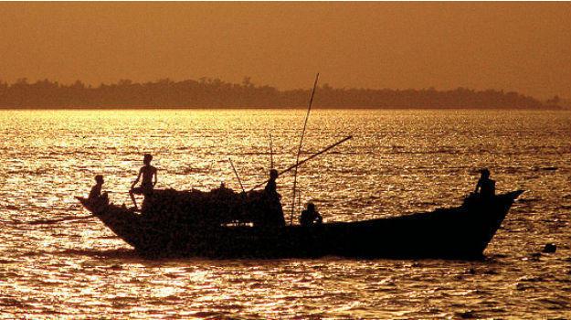 river dne Explore incredible beauty of Raichak, West Bengal