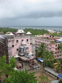 148645246Amrithanandamayi Main 10 Best Ashrams in India for Yoga and Meditation
