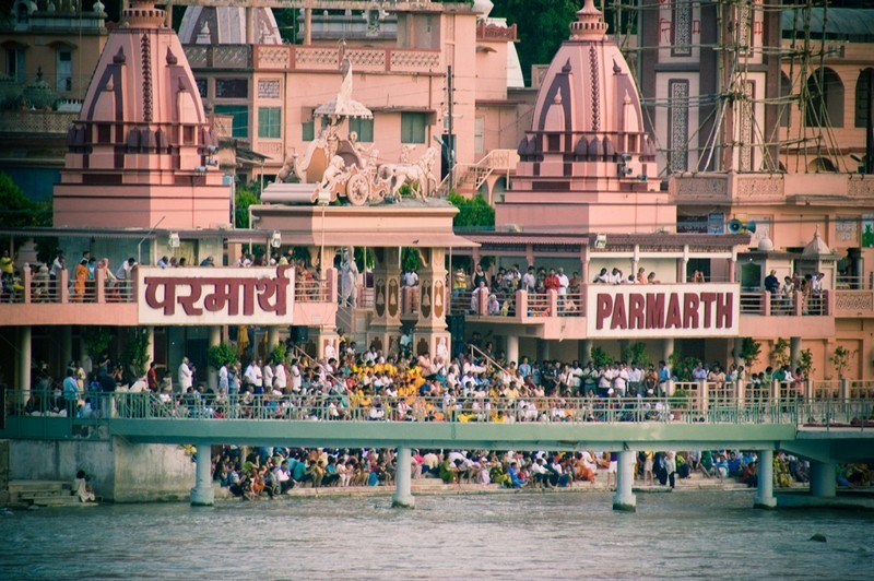 148894570Rishikesh Parmarth Niketan Main 10 Best Ashrams in India for Yoga and Meditation