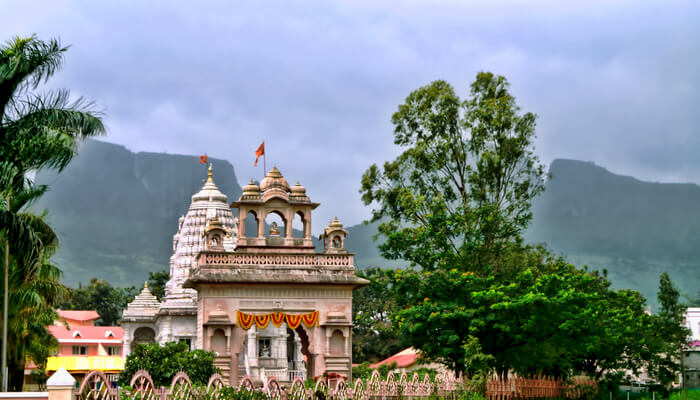 cover image of Places to visit near Shirdi 30th nov Best weekend destinations in India